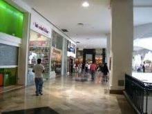 Lr-409 local comercial plaza americas