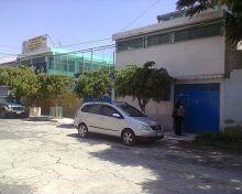 Se vende escuela en calle cerrada