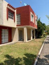 Fracc. Bonaterra, Casa en venta de 3 recámaras, Con patio y alberca co